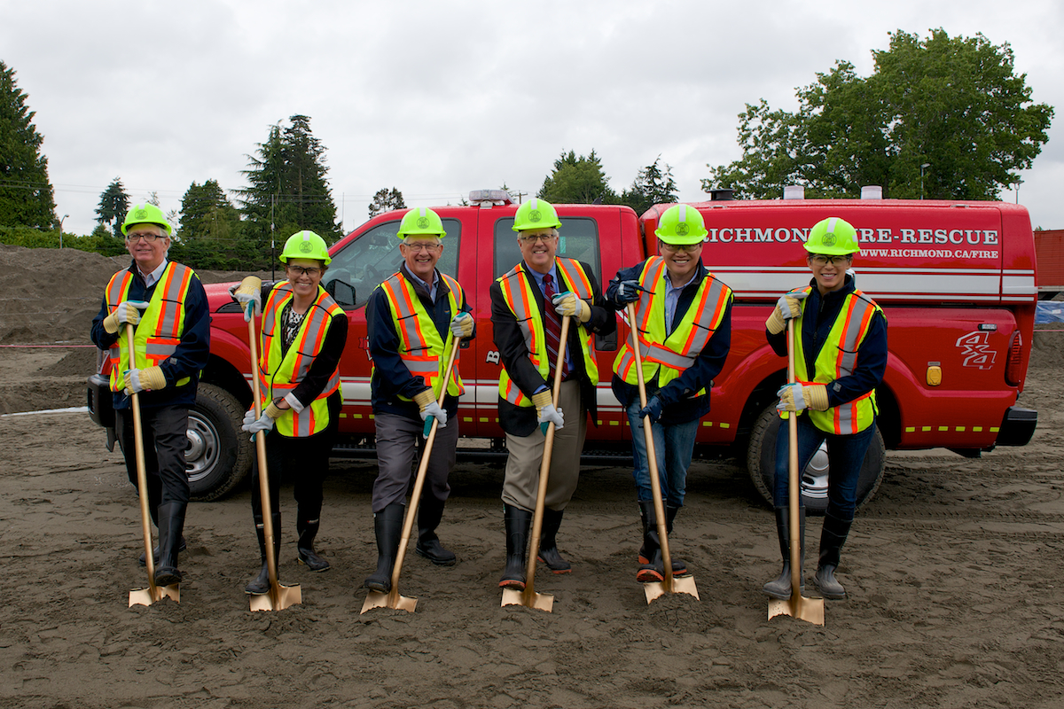 http://yourminoru.ca/wp-content/uploads/2016/07/Fire-Hall-No.-1-groundbreaking.jpg